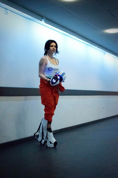 Chell Portal cosplay by Rathalely Cosplay Photography by DemoraFairy Photography