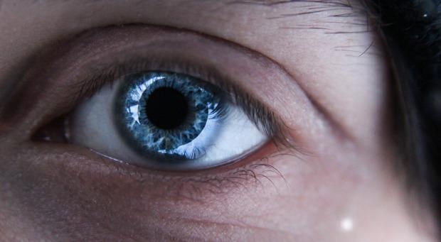eye-854247_1920