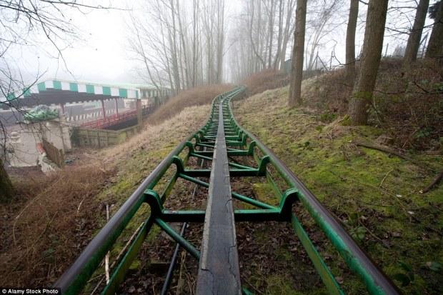 camelot-theme-park